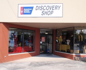 Front exterior photograph of the Bettendorf, IA American Cancer Society Discovery Shop