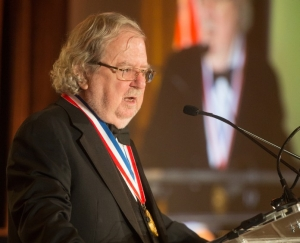James P. Allison receiving American Cancer Society 2015 Medal of Honor